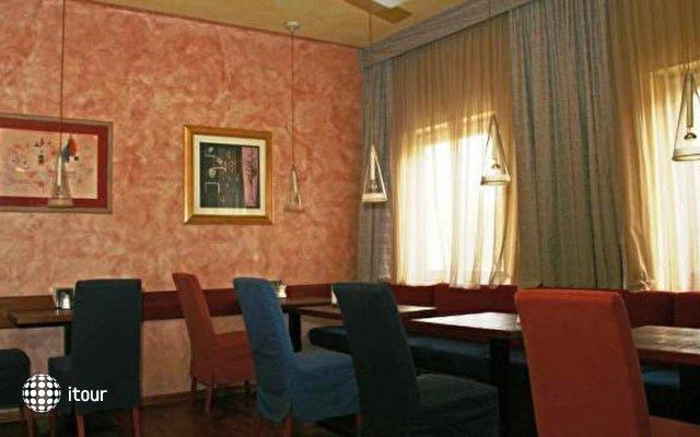 Binders Hotel 7
