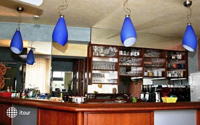 Binders Hotel 8