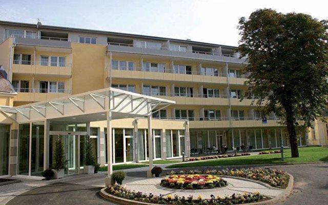 Badenerhof 1