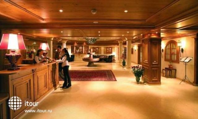 Schlosshotel Fiss 8