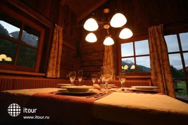 Laposch Chalet Resort 4