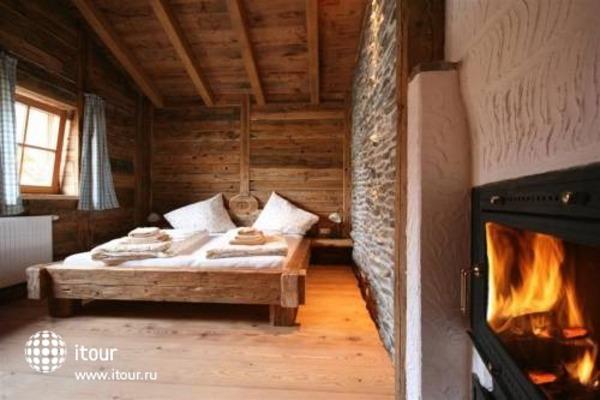 Laposch Chalet Resort 3