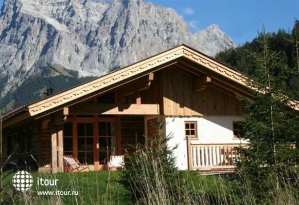 Laposch Chalet Resort 6