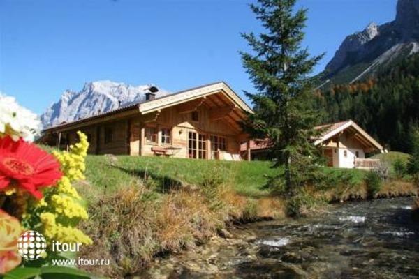 Laposch Chalet Resort 1