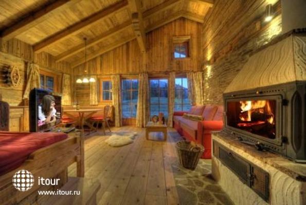 Laposch Chalet Resort 9