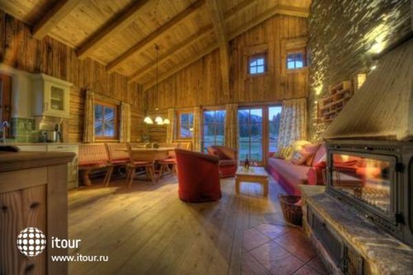Laposch Chalet Resort 10