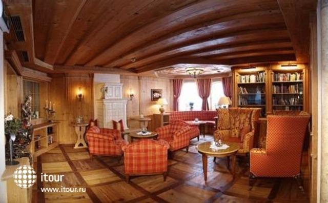 Traumhotel Alpina 10