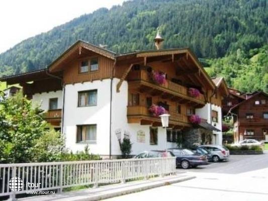 Bruckenhof Garni Hotel 3