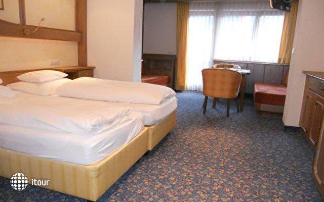 Hotel Strass 3