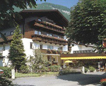 Schuhaus Kroell (ex. Pension Elizabeth) 1