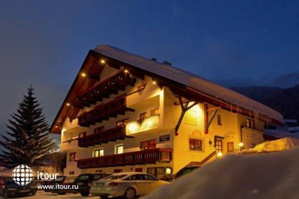 Hotel Sonnbichl 8
