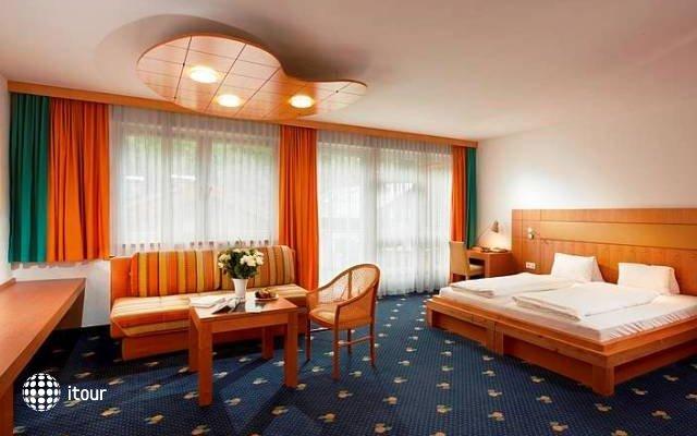 Der Waldhof 7