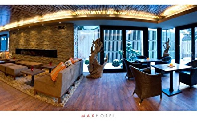 Living Hotel Max 10
