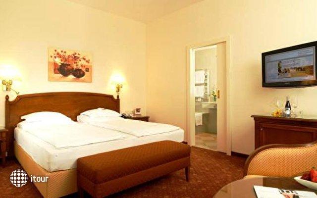 Hotel Stefanie 3