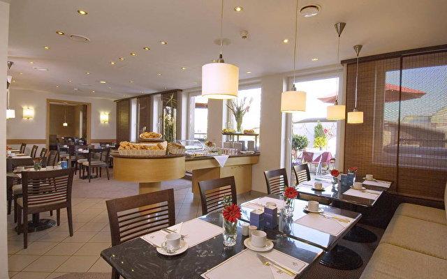 Nh Hotel Atterseehaus 6
