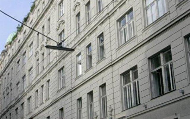 Altstadt Vienna 1