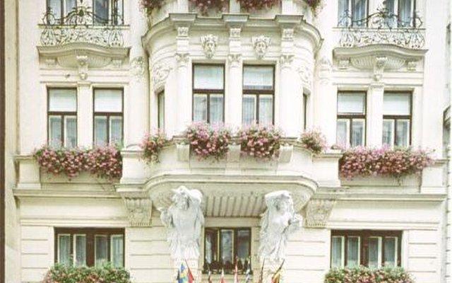 Zur Wiener Staatsoper   3