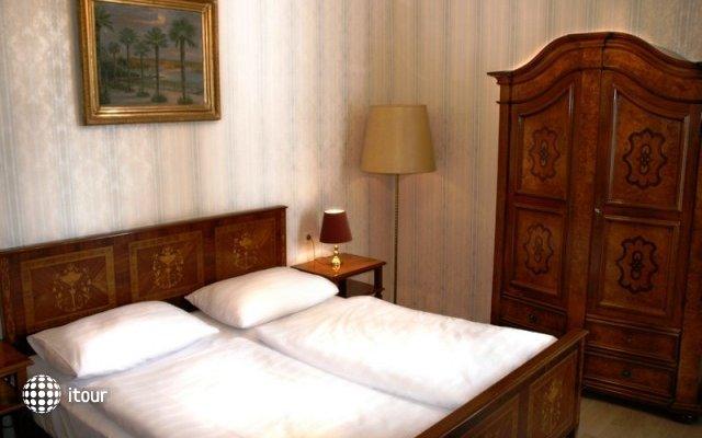 Hotel Donauwalzer 6