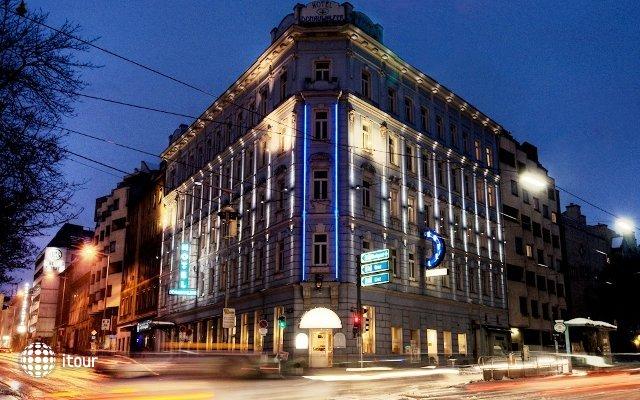 Hotel Donauwalzer 1