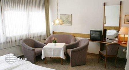 Hotel Ekazent 8
