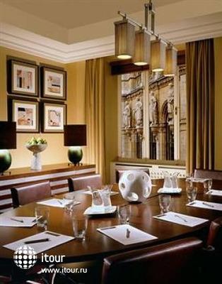 Radisson Blu Style Hotel 2