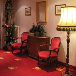 Schweizerhof Hotel 3