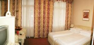 Schweizerhof Hotel 4