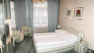 Schweizerhof Hotel 6