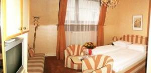 Schweizerhof Hotel 7