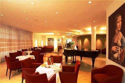 Austria Trend Hotel Favorita 6