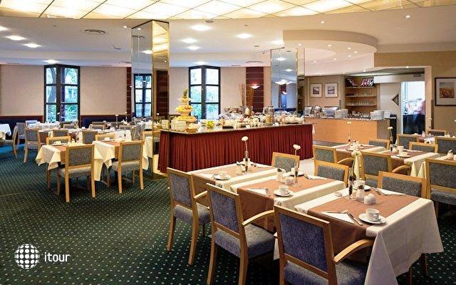 Austria Trend Hotel Lassalle 8