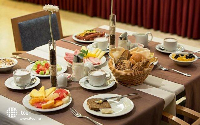 Austria Trend Hotel Lassalle 10