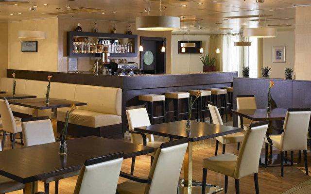 Hilton Vienna Plaza Hotel 10