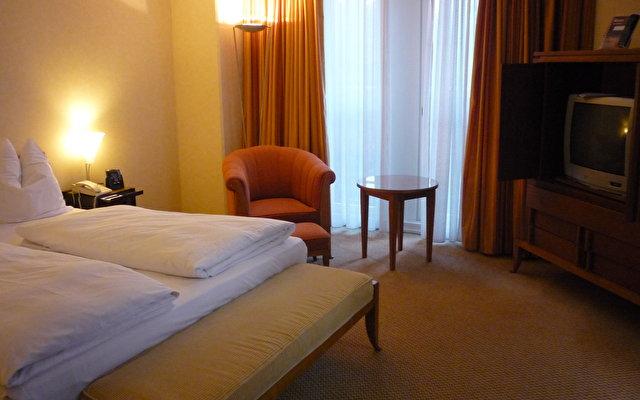 Hilton Vienna Plaza Hotel 8