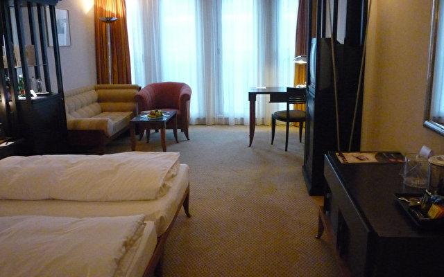 Hilton Vienna Plaza Hotel 3