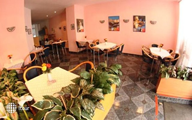 Hotel-pension Arpi 6