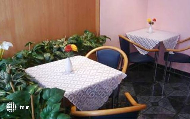Hotel-pension Arpi 10