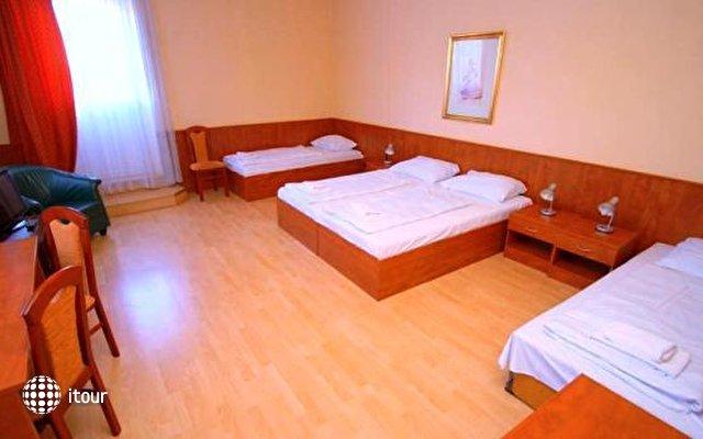 Hotel In Hernals 3