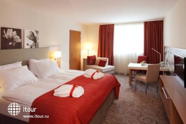 Ramada Hotel And Suites Vienna 2