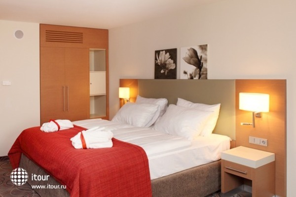 Ramada Hotel And Suites Vienna 3