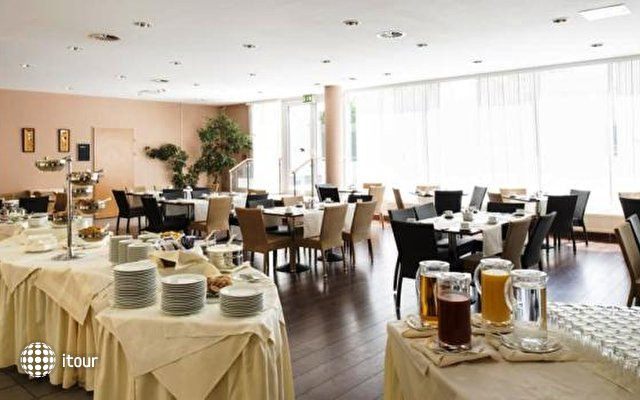 Arion Cityhotel Vienna 10