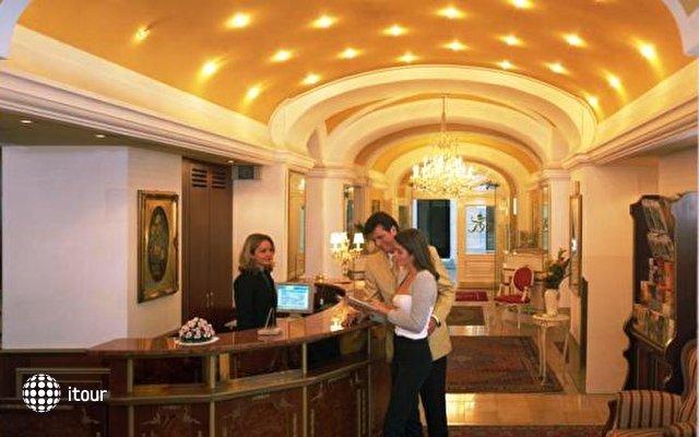 Best Western Premier Hotel Romischer Kaiser 5