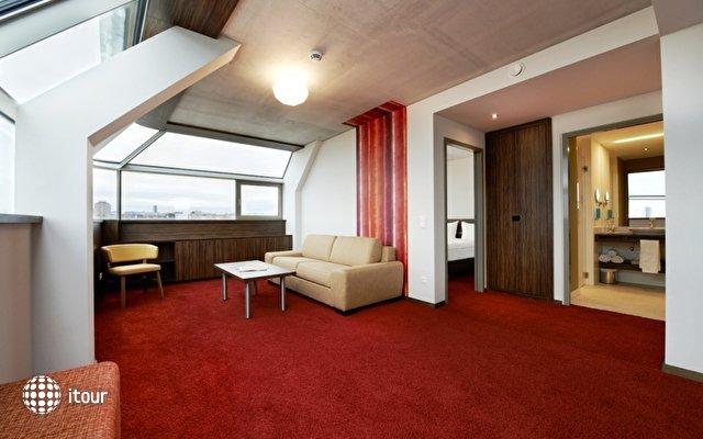 Simm's Hotel 7