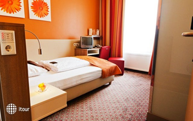 Boutique Hotel Stadthalle 8