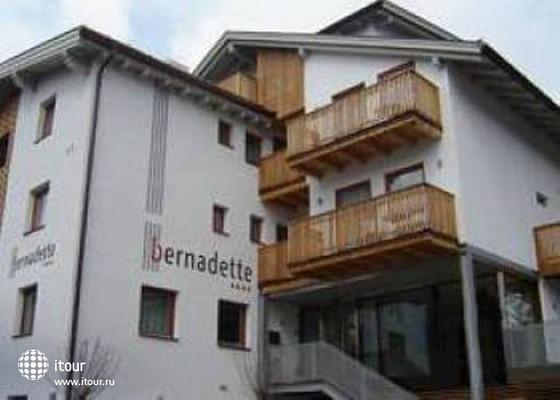 Garni Bernadette 4