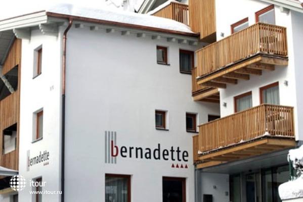 Garni Bernadette 6