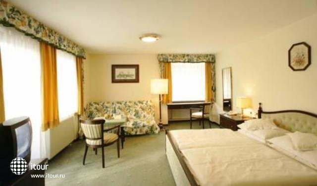 Nostalgie Hotel Carinthia 3