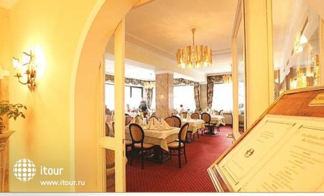 Nostalgie Hotel Carinthia 9