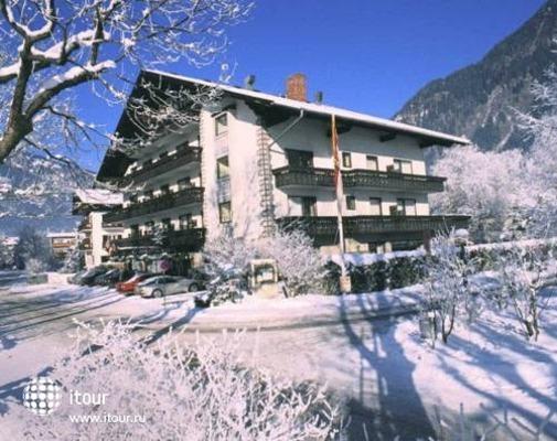 Nostalgie Hotel Carinthia 1