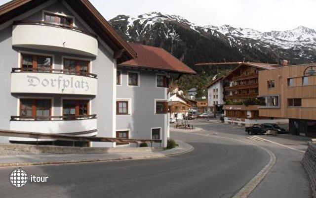 Haus Dorfplatz 2
